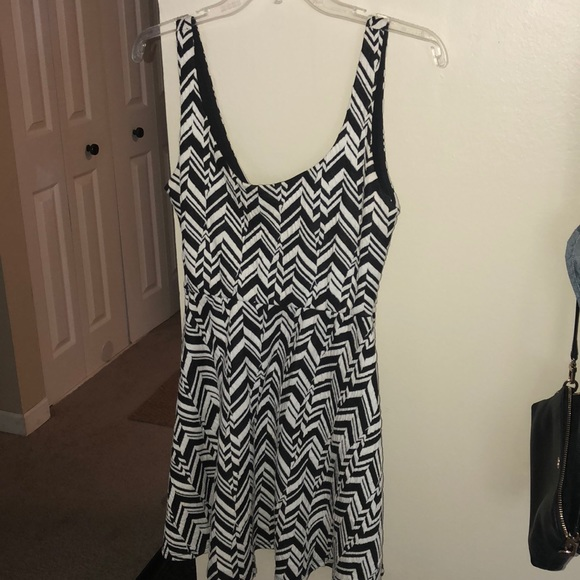 Nordstrom Dresses & Skirts - Adorable semi-formal dress for all seasons!